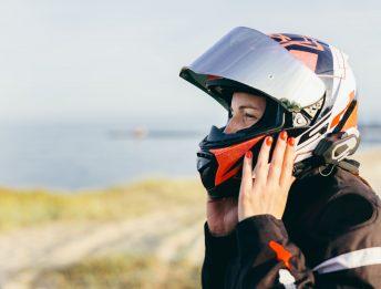 Cosa si può montare sul casco senza perdere l'omologazione