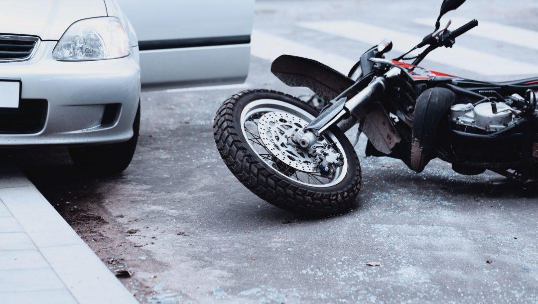 Danni al passeggero della moto