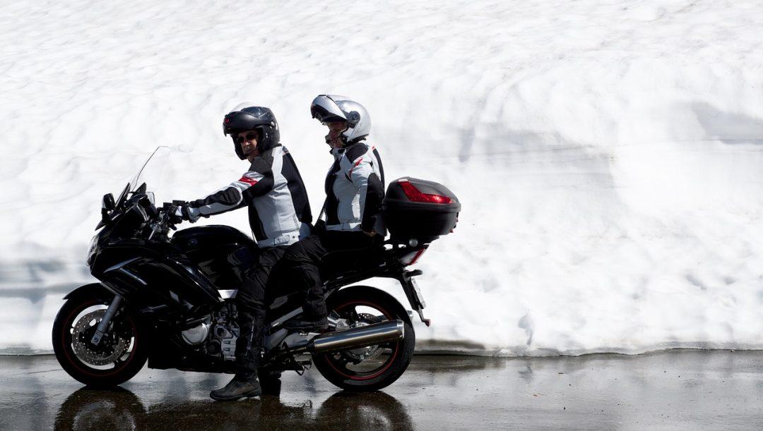 Viaggiare in moto in coppia