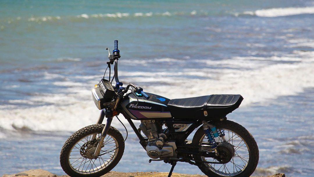 proteggere la moto da sole sabbia salsedine