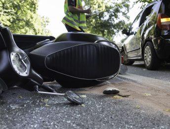 Incidente stradale con minorenne alla guida di una moto