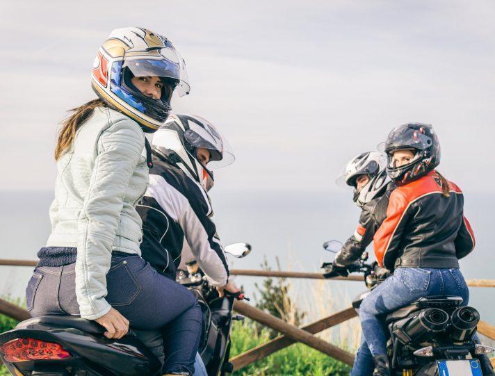 In moto in due non conviventi